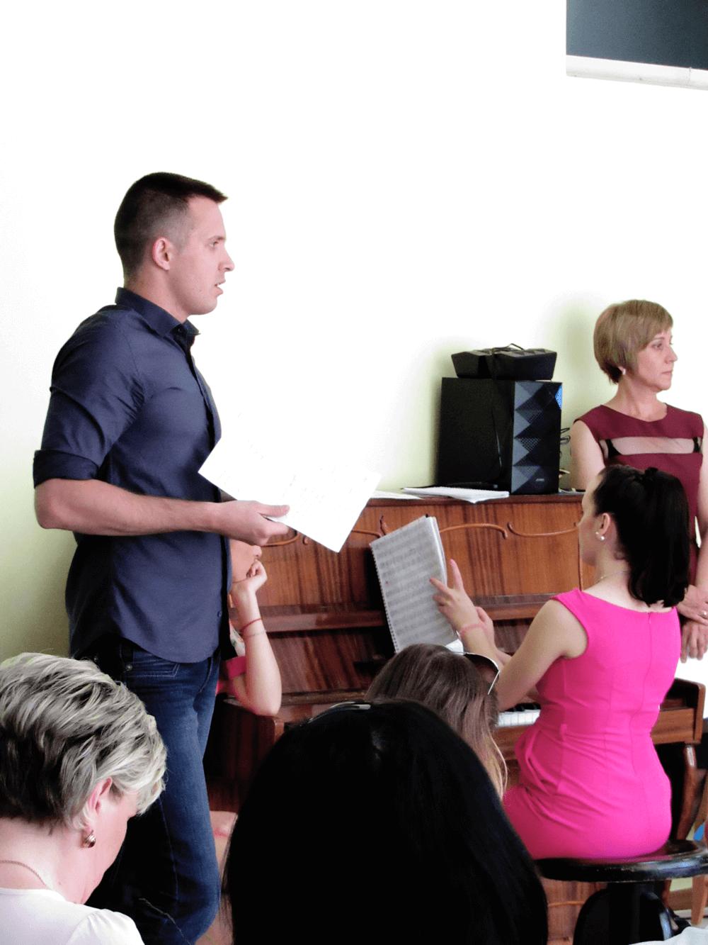 Выступаю с речью на выпускном в детском саду