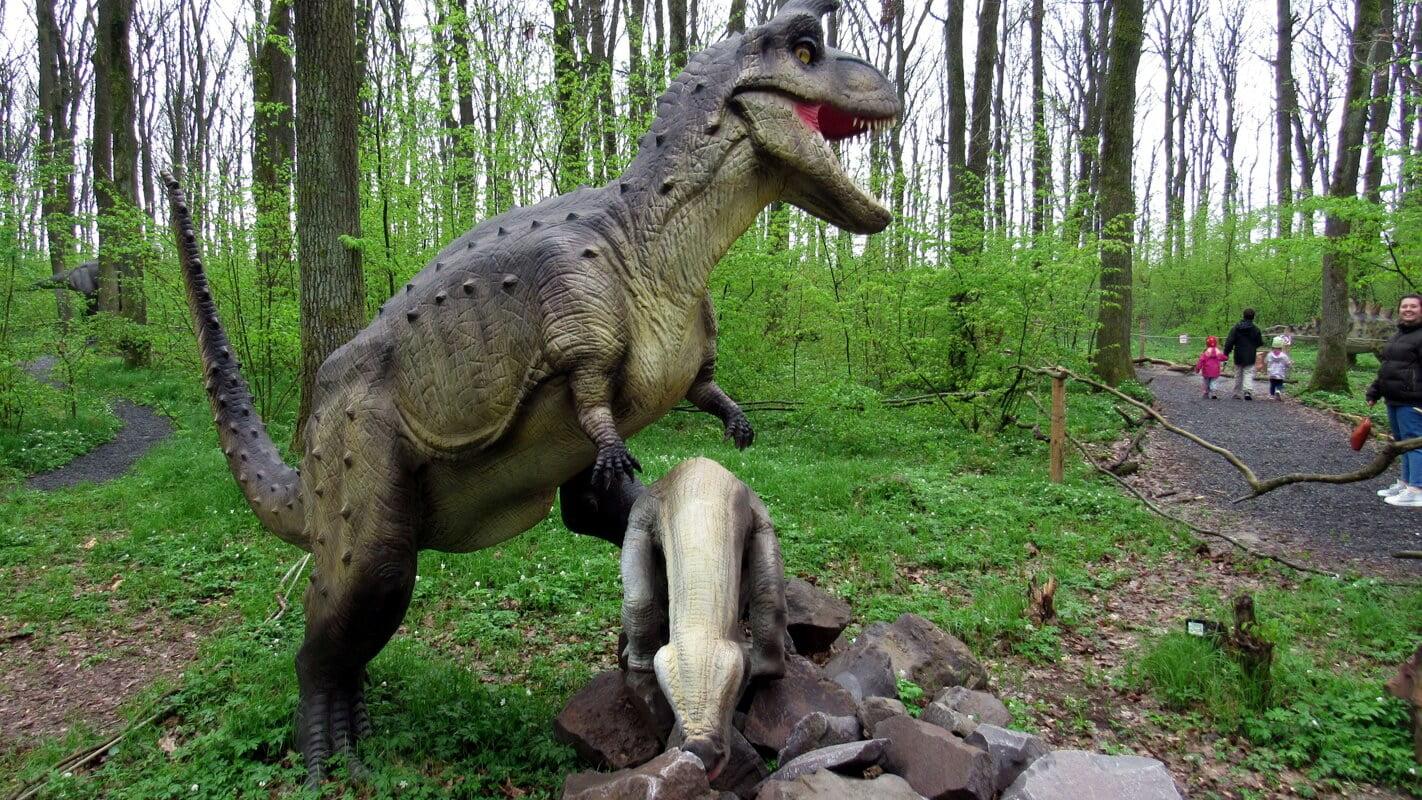 Дизозавры в Берегово